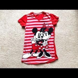 < Mickey & Minnie Sleep Shirt >